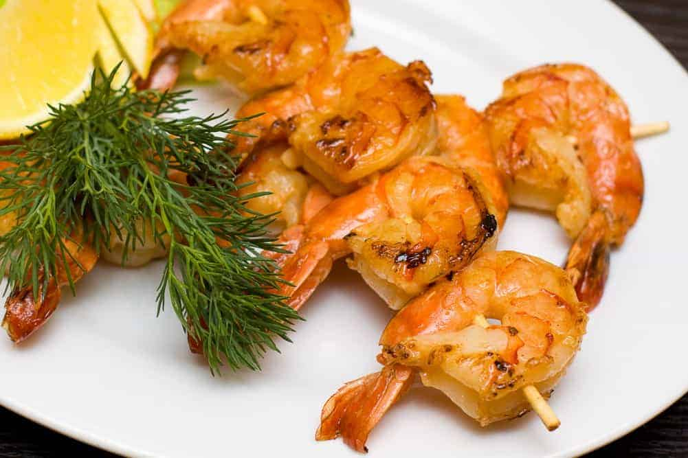 Grilled shrimp with dill and lemon